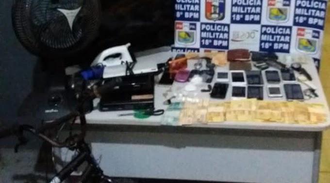 Em Monte Alegre: PM prende 02 homens e apreende 02 menores envolvidos em furtos.