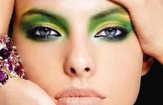 maquillaje de ojos verde