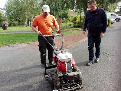Formation aux nouvelles techniques « sans pesticides » des agents municipaux de Vendin-lez-Béthune