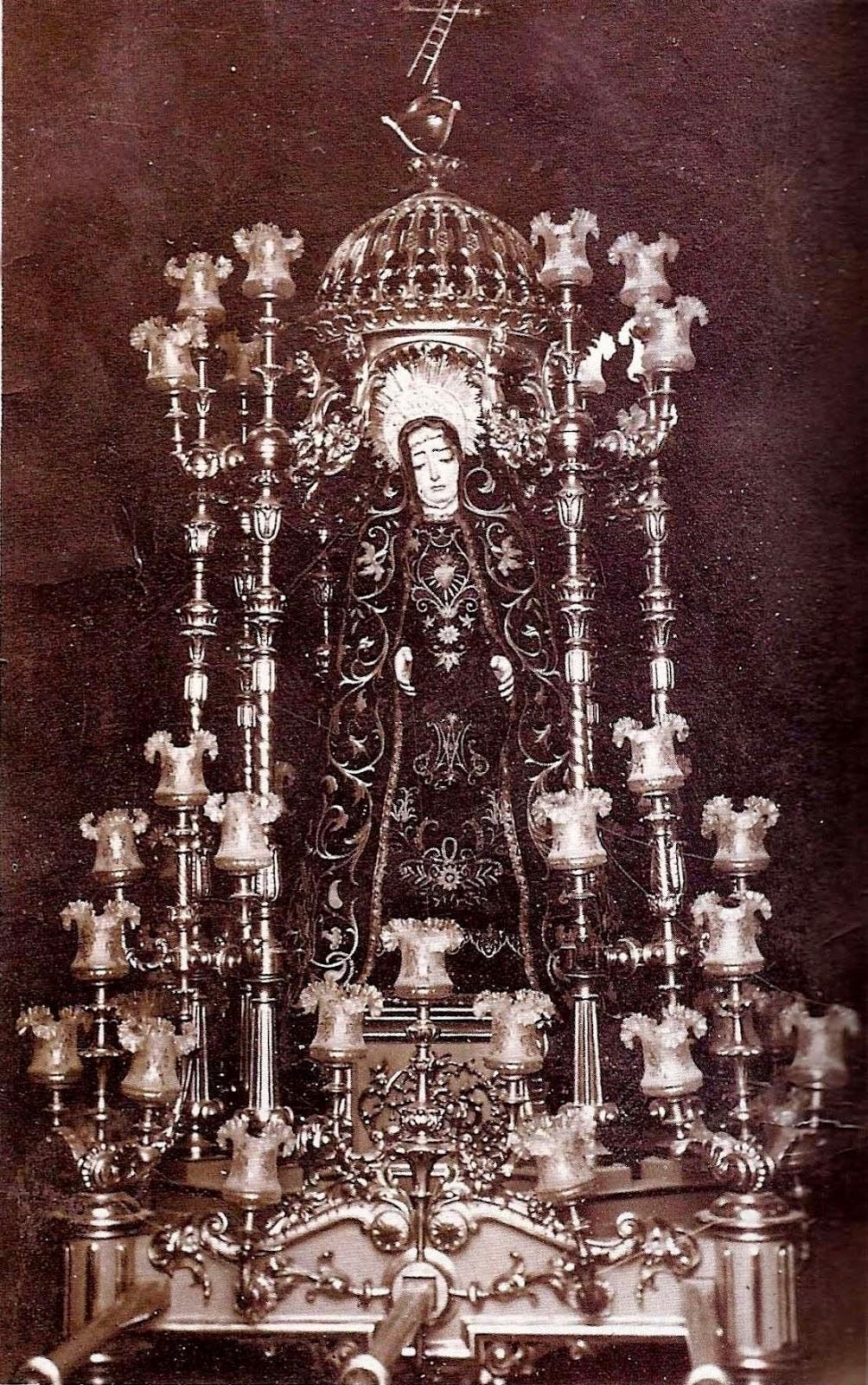 Los Berruezo La Hermandad Del Nazareno Y La Virgen De Los