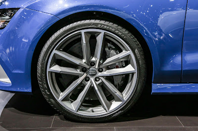Audi RS7 Performance Sedan front wheel image