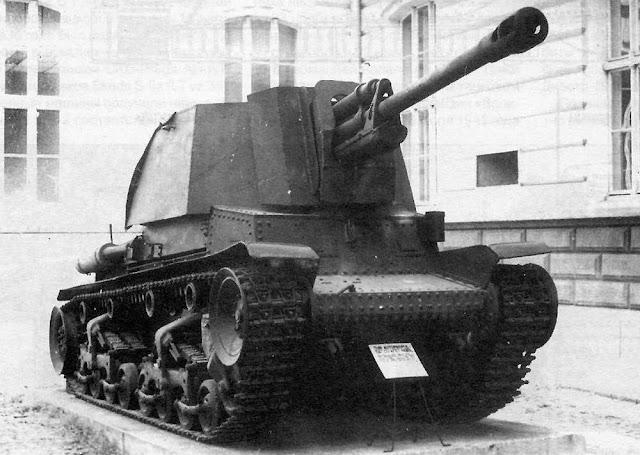 Т.А.С.А.М. R-2 имела клёпаный корпус и сварную надстройку