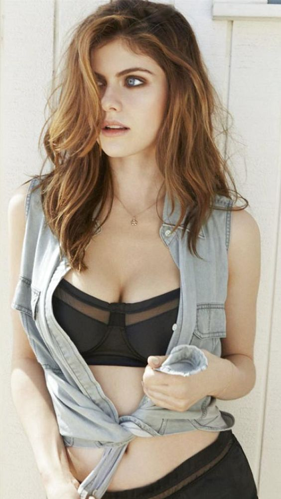 Alexandra Daddario Hot Photoshoot