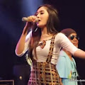 Lirik Lagu Tak Akoni Aku Sing Salah - Nella Kharisma