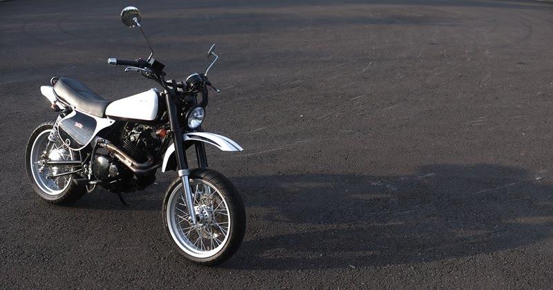 STUDIO MOTOR CUSTOM BIKE SUZUKI THUNDER 250 02 XT500