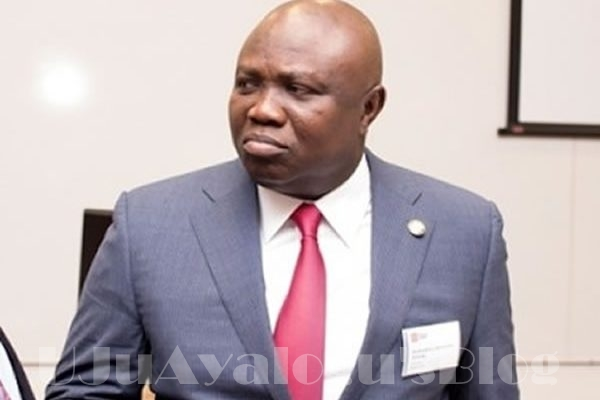 Ambode signs 11,034 Certificates of Occupancy in two years