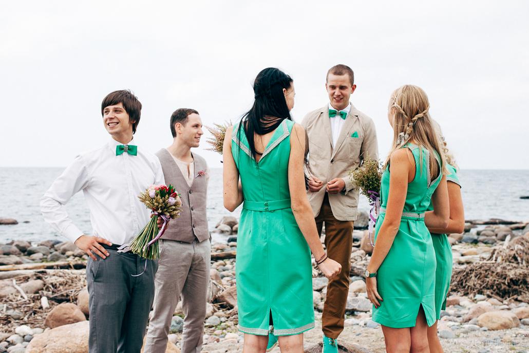 ko vilkt uz kāzām, kāzu viesu apģērbs