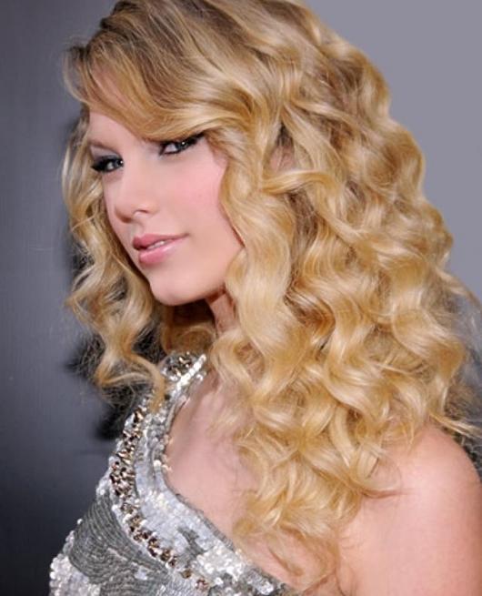 Die Top Haarschnitte für lockige Haare