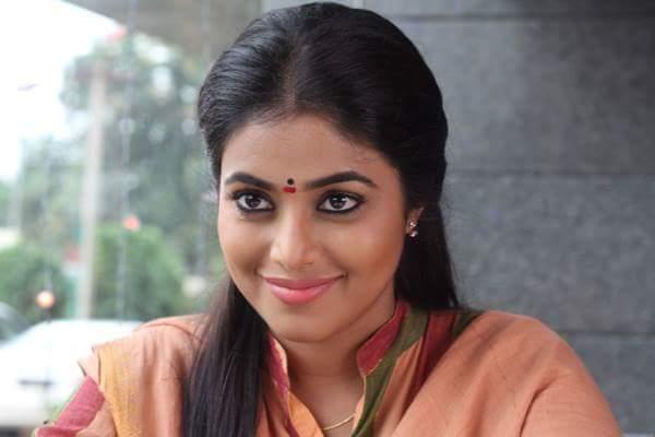 SrinivasReddy Poorna JayammuNishchayammura Movie Latest Working Stills