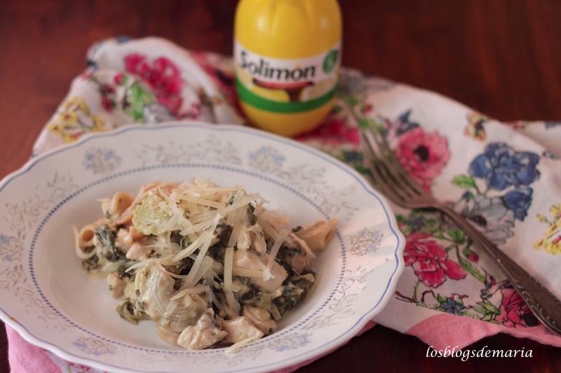 Crestas de gallo con pollo a la nata y limón ( receta de pasta )