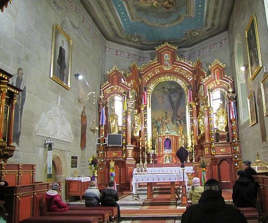 Ołtarz główny przedstawiający św. Andrzeja