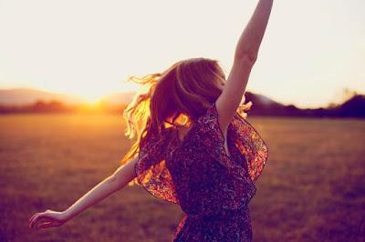 Élj vidáman! avagy Énképünk a világ tükrében