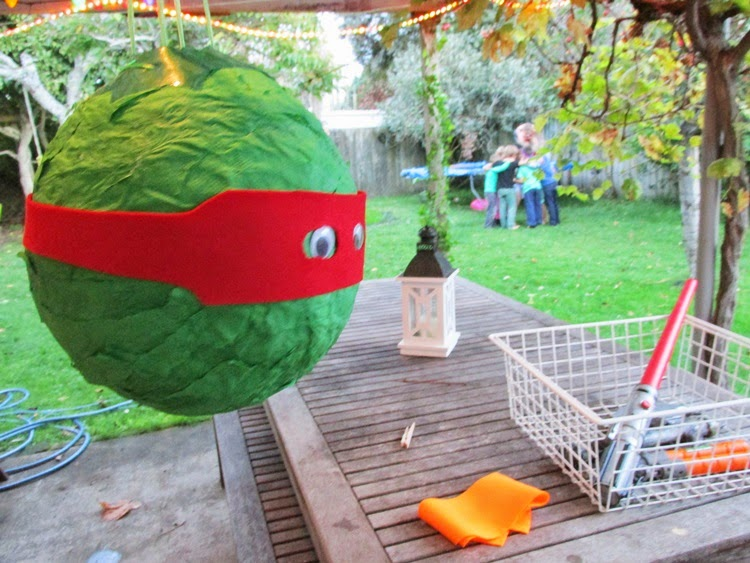 TMNT Party games - ninja turtle pinata
