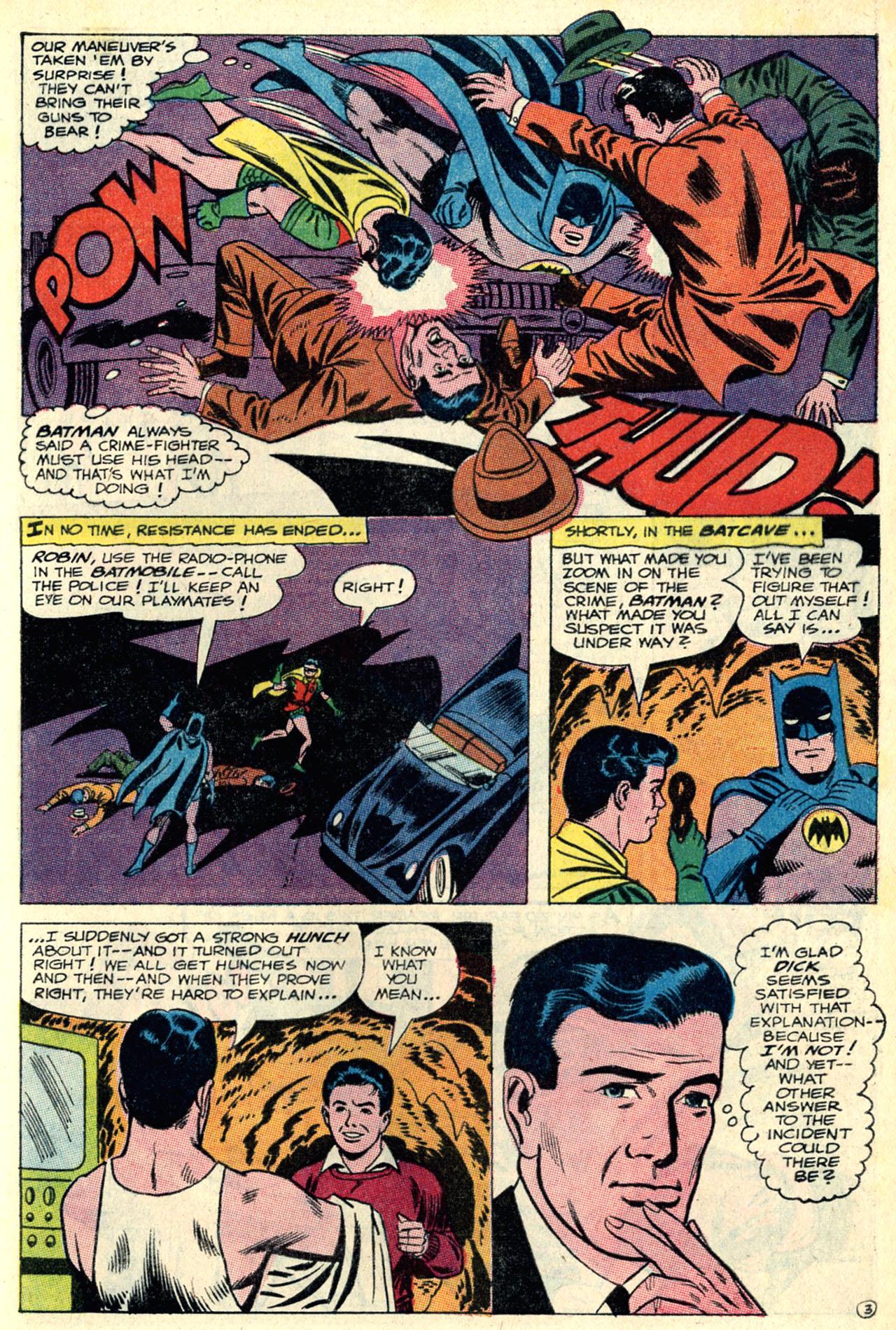 Detective Comics (1937) 352 Page 4