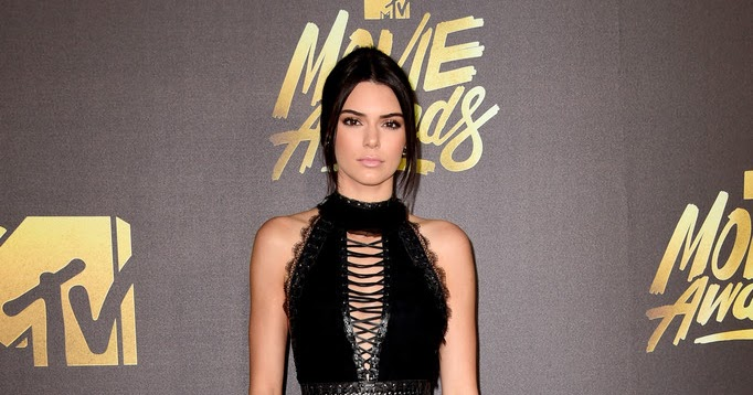 Kendall Jenner In All Black Outfit At Mtv Movie Awards