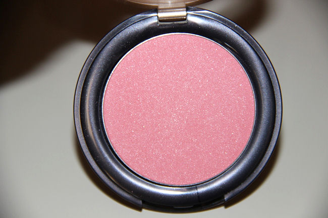 Sally Hansen Natural powder blush in pink shade Flush