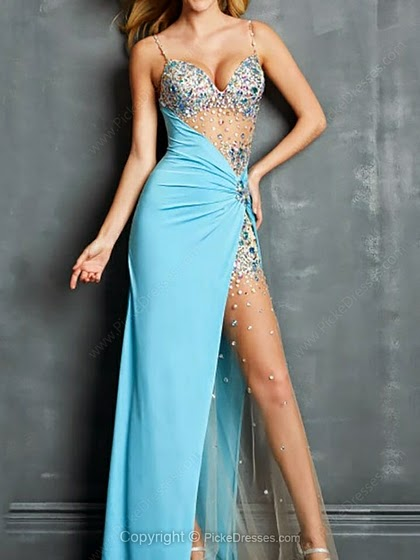 Be Regal or Dainty with Blue Prom Dresses