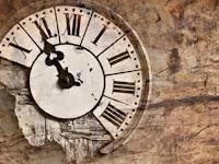 10. Waktu Terbuang Karena Hiburan dan Menunda Pekerjaan
