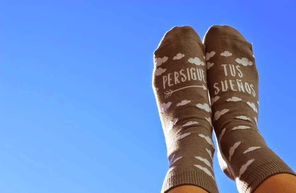 http://latiendadeuo.com/product/calcetines-persigue-tus-suenos