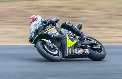 Vernon Chalmers Copyright : Motorcycle Racing / Action Photography Killarney Cape Town