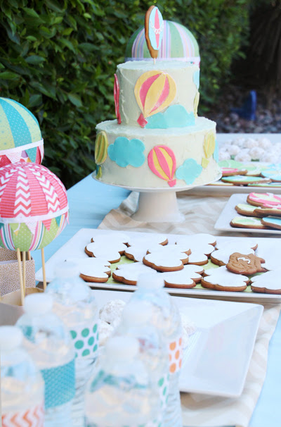 Hot Air Balloon Baby shower ideas / Rainbow Themed Baby Shower