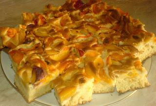prajitura cu caise si piersici, prajituri, deserturi, dulciuri, prajituri cu fructe,