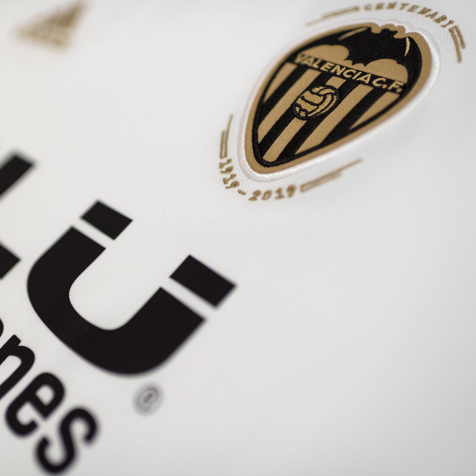 Valencia 18-19 Centenary Home Kit Released - Footy Headlines