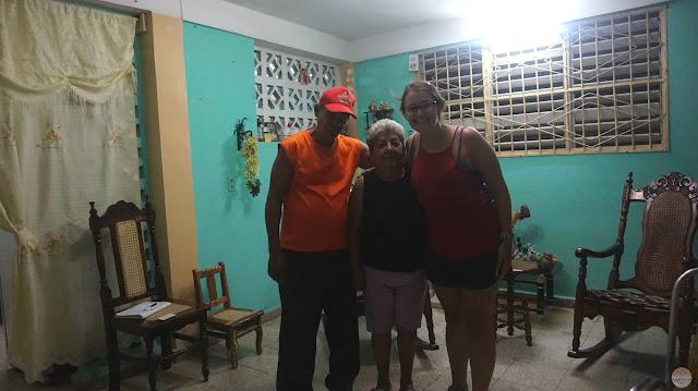 En casa de Celina y su marido