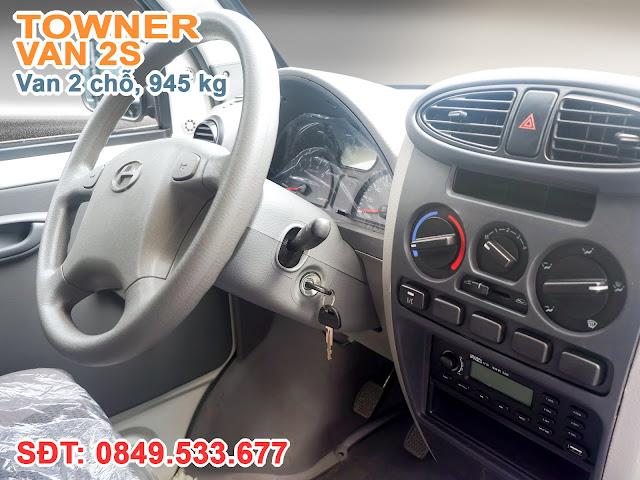 Trang bị tiêu chuẩn xe Thaco Towner Trang bị đầy đủ tiện nghi, Máy lạnh tiêu chuẩn, Radio-USB, Kính cửa chỉnh điện, Tay lái trợ lực điện (EPS)