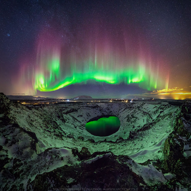 Cực quang đầy màu sắc trên bầu trời Ireland. Hình ảnh: Sigurdur William Brynjarsson.