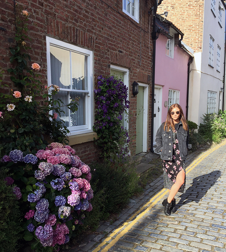 UK FASHION BLOGGER FLORAL MIDI DRESS