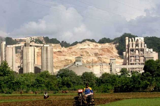 Pabrik Semen Ancam Potensi Karst Nasional