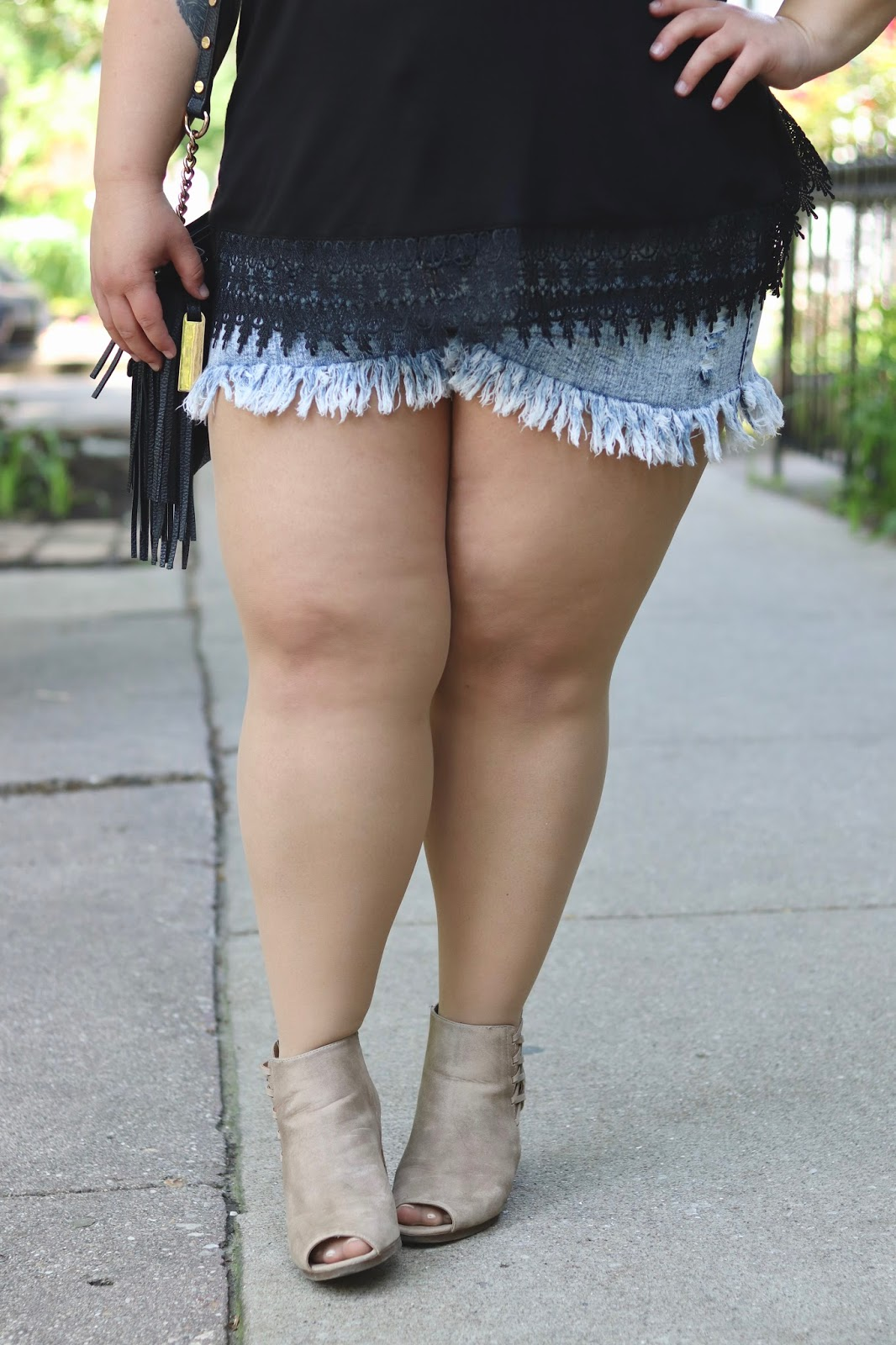 natalie in the city, how to stop chub rub, chub rub, my thighs rub together, plus size shorts, fringe shorts, forever 21 plus, affordable plus size clothes, plus size fashion, plus size fashion blogger, Chicago blogger, midwest blogger, natalie craig, fatshion, curves and confidence, eff your beauty standards, embrace my curves, summer plus size