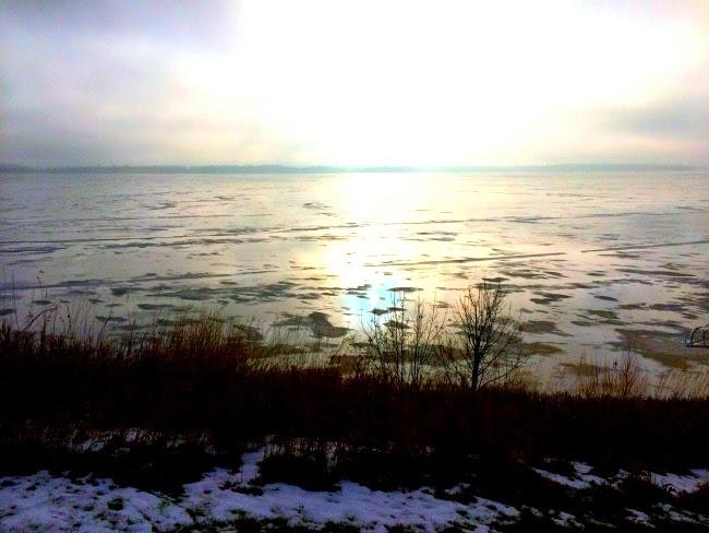 weekend recap, weekend at the lake, lake weekends, minnesota lake life, north dakota winter, minnesota winter, winter at the lake, winter nature walks, winter walks, family, family post, north dakota state bison, bloody mary, bloody mary's, go bison #gobison #lakelife #weekendrecap #ndsu