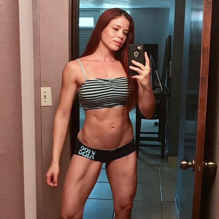 IFBB Pro Bikini Ana Delia De Iturrondo