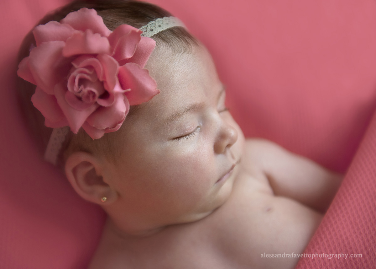 Reportaje fotografico bebé a domicilio en Sevilla y provincia