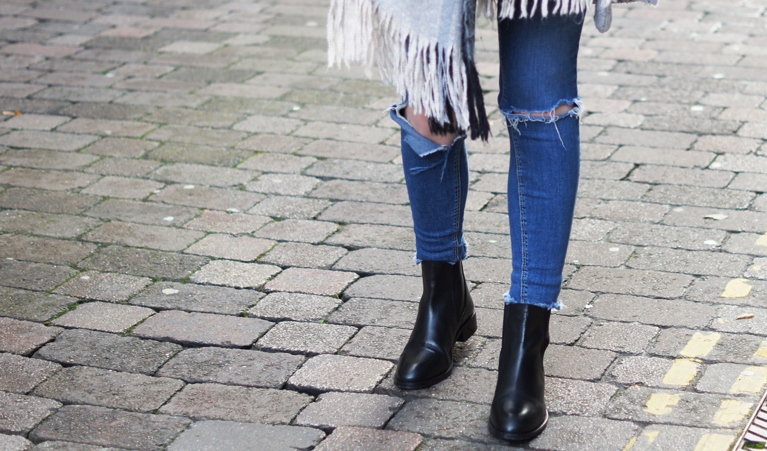 asks leather chelsea boots