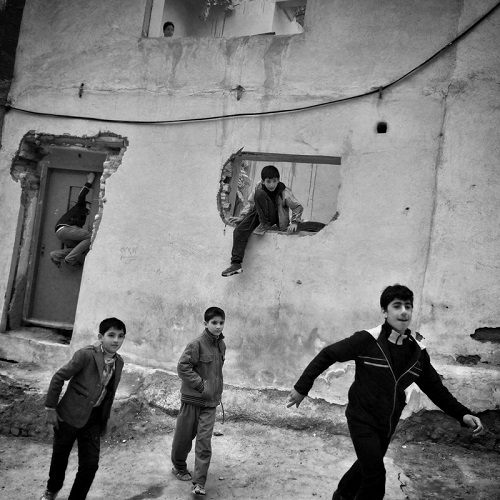 "Foto por Ako Salemi - Suburb of Tabriz - serie ""Iran from my Phone"" 
