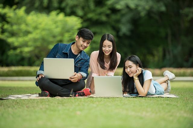Asus VivoBook X505ZA Laptop Murah Terbaik Untuk Pelajar Mahasiswa
