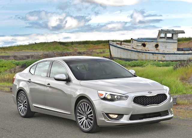 2014 Kia Cadenza fishing boat