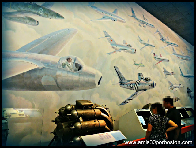 Museo Nacional del Aire y el Espacio de Estados Unidos: The Keith Ferris Mural The Evolution of Jet Aviation