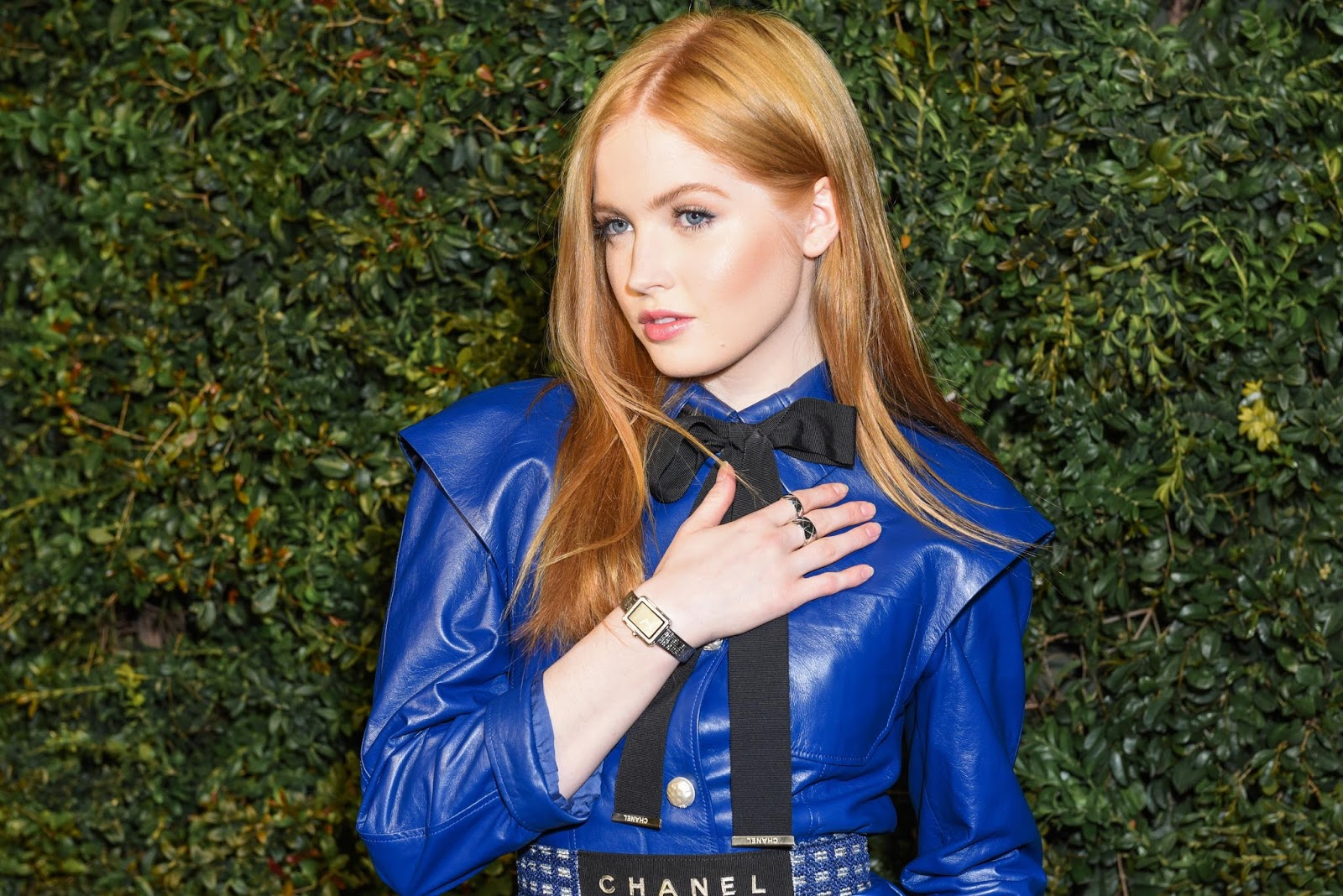 Lovely Ladies in Leather: Ellie Bamber in a leather suit