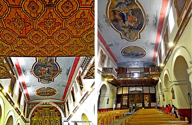 Decoração interna da Igreja de La Candelária, Bogotá, Colômbia