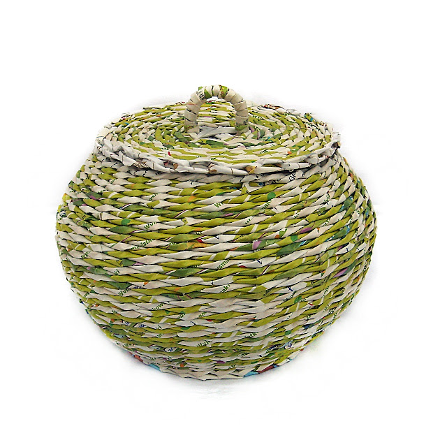 okrągły koszyk z pokrywką
