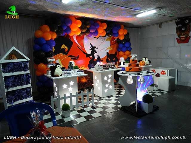 Decoração Halloween para a mesa do bolo de aniversário - Festa infantil na Barra da Tijuca RJ
