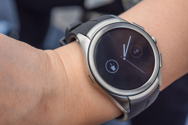 Google is Developing Its Own Two Android Wear Smartwatches