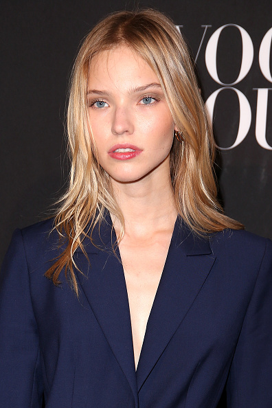 Sasha Luss Arrives at the Vogue Foundation Gala 2016