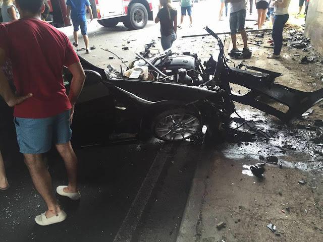 BMW é partida ao meio após acidente a 150km/h em SP, motorista morre e namorada sobrevive