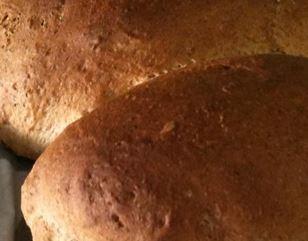 Foto do pão caseiro integral pronto para consumo