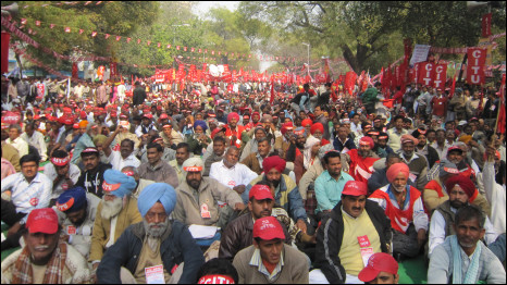 दो टूक : Two lakh peoples protest against high food prices , unemployment and corruption
